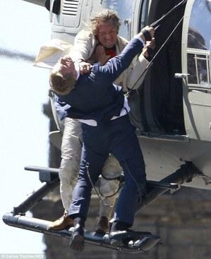 《007:恶魔四伏》:魔鬼的书写--@movies【开黑马漫画图片图片