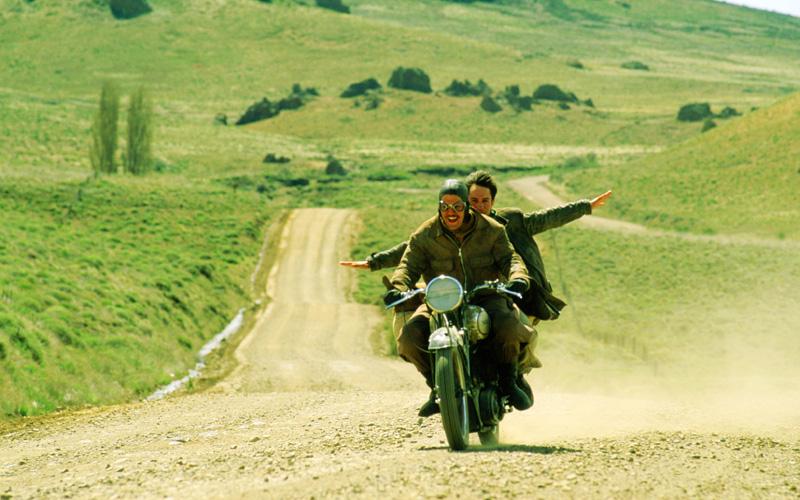 《革命前夕的摩托车日记》:不知是这个世界改变了,还是我们改变了…