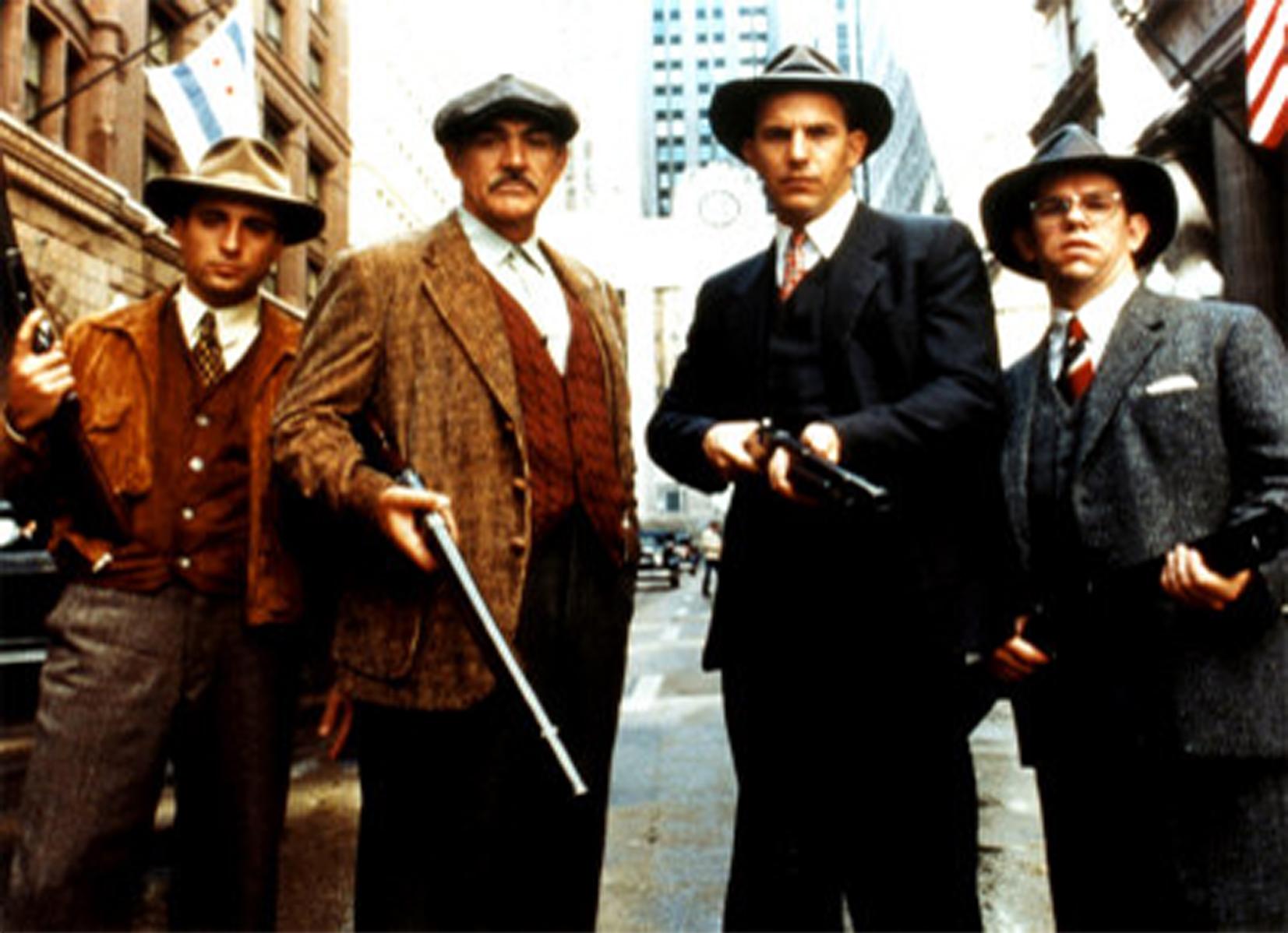 老电影铁面人_>content   说到经典警探拍档电影,《铁面无私》(1987)绝对是最让人
